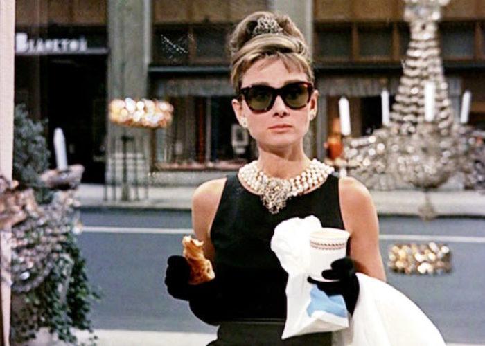 """Holly Golightly y su """"Desayuno con diamantes"""""""